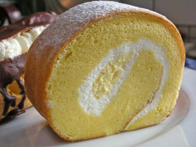 アニバーサリーのロールケーキ