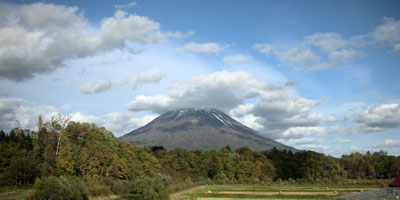 JR北海道ニセコ駅・羊蹄山麓の風景写真