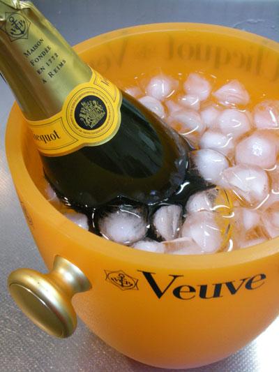 ヴーヴ・クリコ/シャンパン フランス