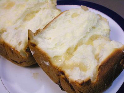 りんごジャム入りの自家製パン