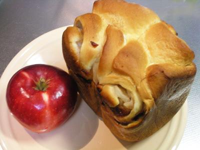 自家製りんごパン
