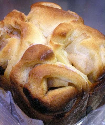 ホワイトシチュー&りんごパン