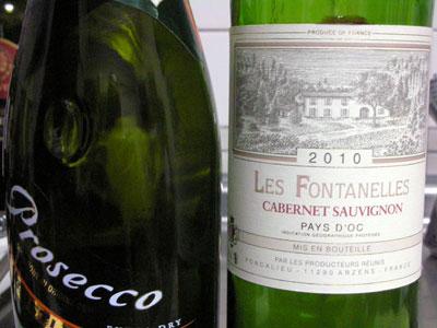 プロセッコとカベルネの赤ワイン