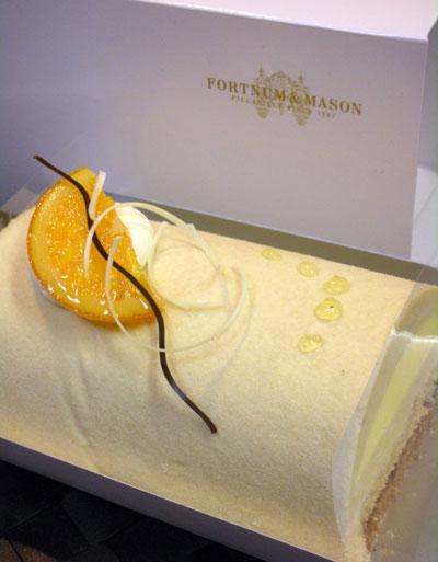 フォートナム・アンド・メイソンのケーキ
