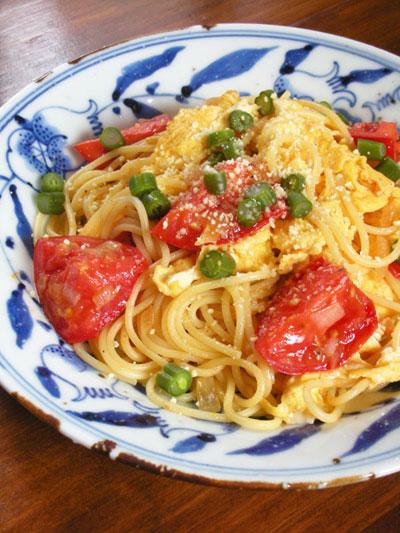 塩トマトと卵のペペロンチーノ