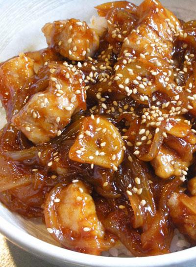 豚バラ肉の甘辛とろみ丼