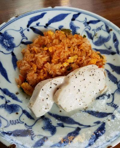 鶏ムネ肉のコンソメ炊き