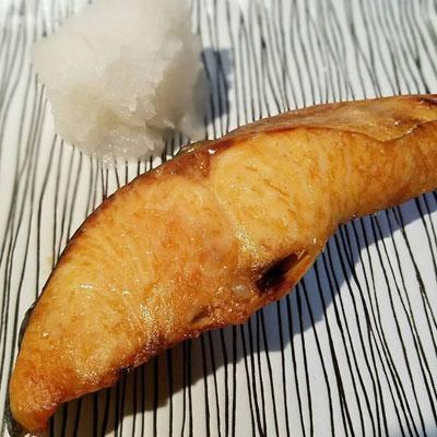 本日の晩酌おつまみは卵焼きと紅鮭