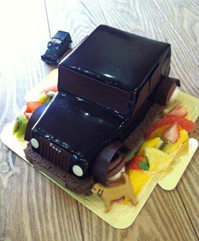 """""""黒飛行機のケーキ"""""""