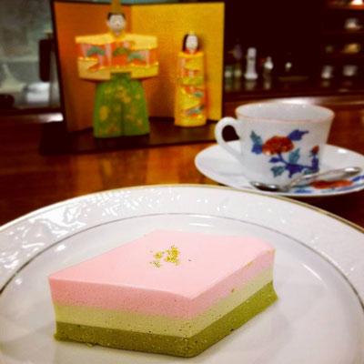 """ひな祭りケーキ"""""""