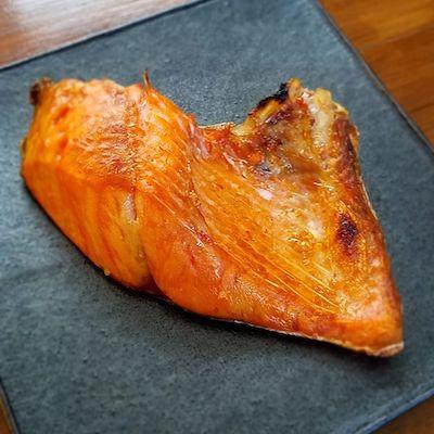 鮭かまの塩焼き