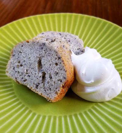 黒ごまのパウンドケーキ